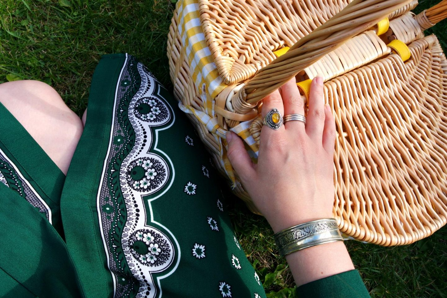 shirst dress and picnic basket