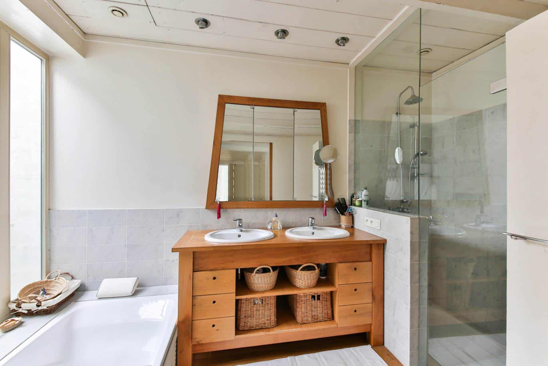 5 Tips For Redecorating A Small Bathroom On A Budget - The ...